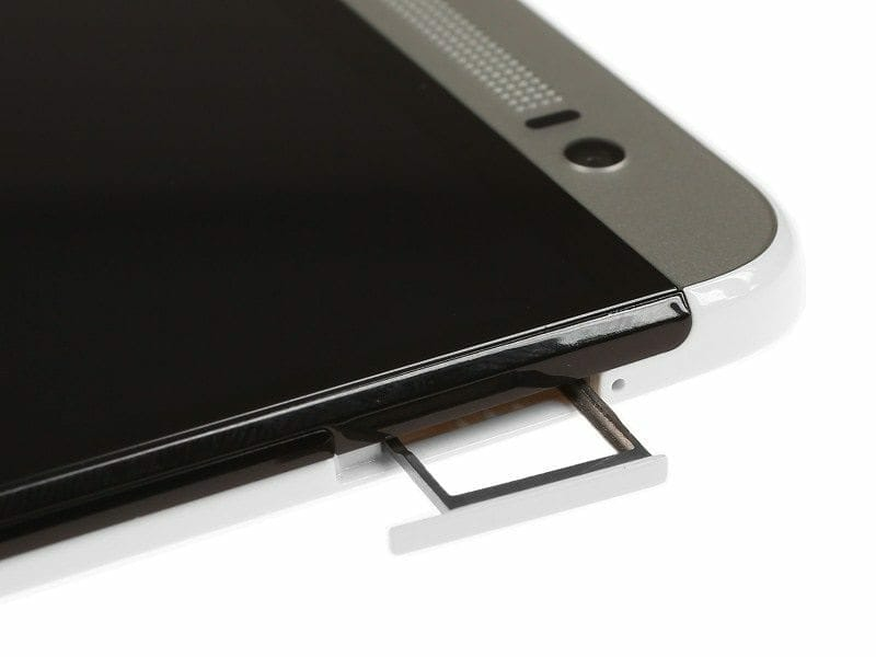 HTC One E8 - 104