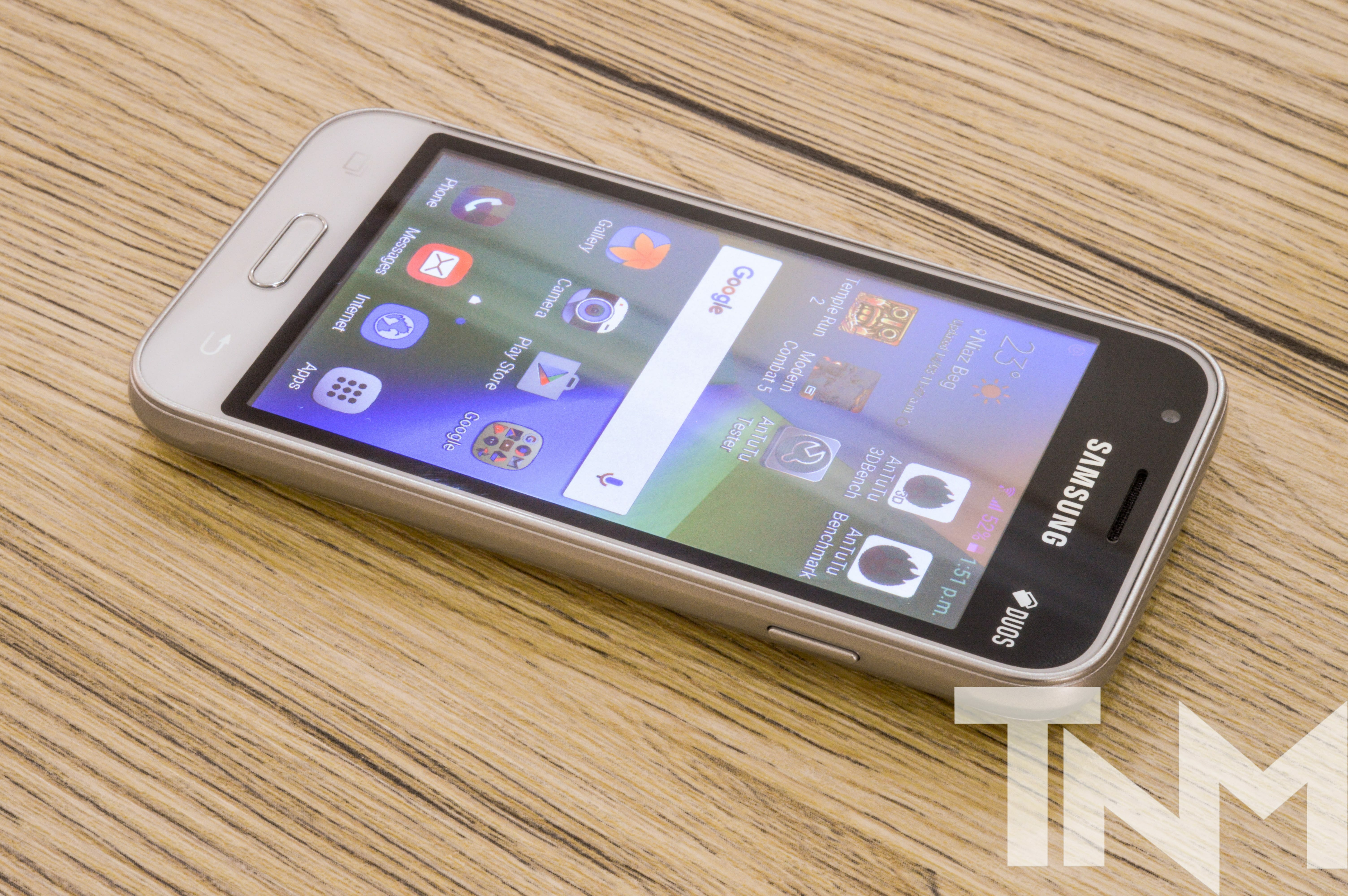 J1 Mini Review TheNerdMag 3 - Samsung Galaxy J1 mini prime Review