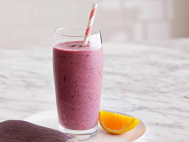 Berry Banana Breakfast Smoothie - 5 Healthy Breakfast Smoothies For Weight Loss