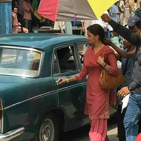 Raazi 4 - Alia Bhatt's de-glammed look in the film Raazi revealed in these leaked photos!