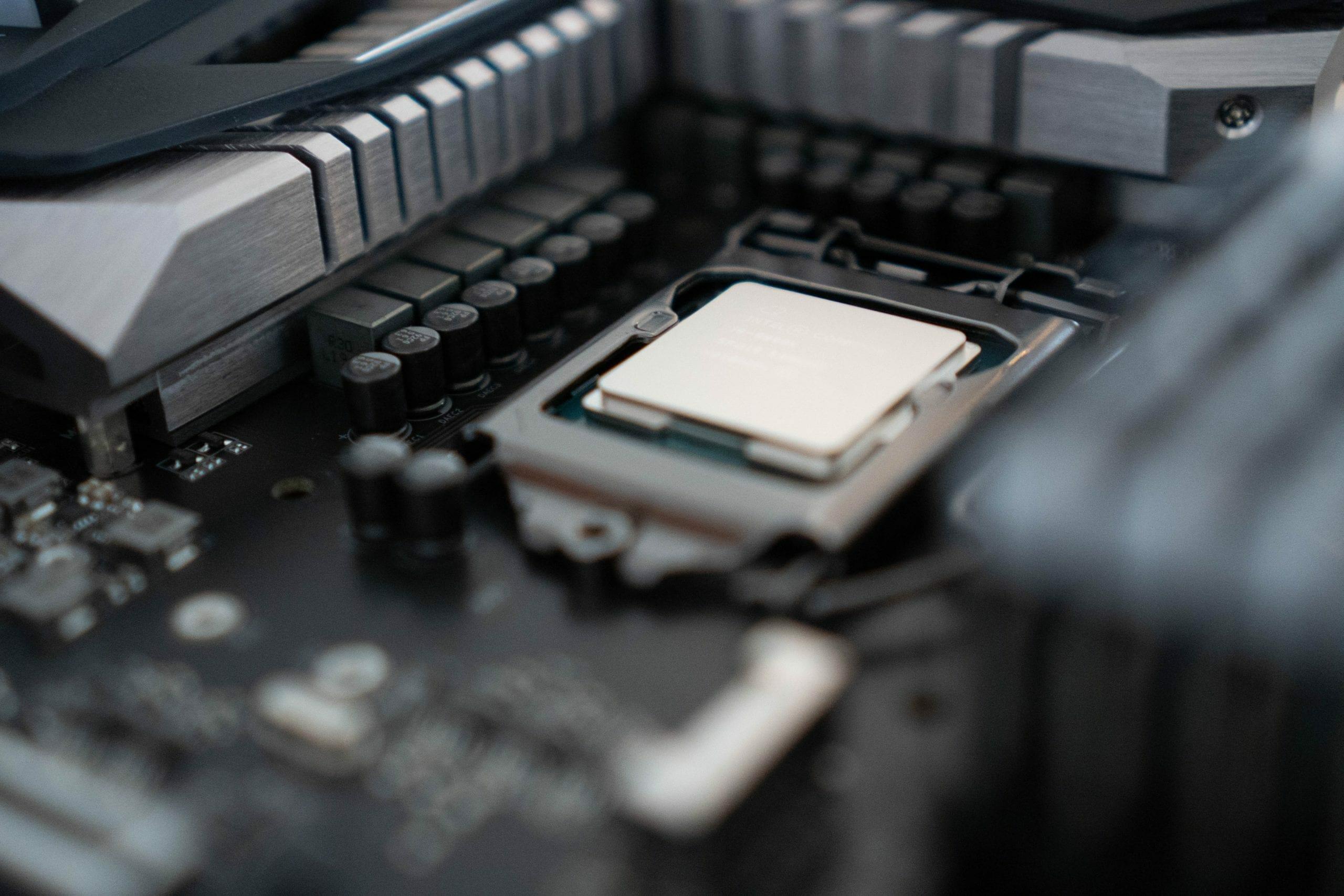 Intel Core i9-10850K (10C/20T)